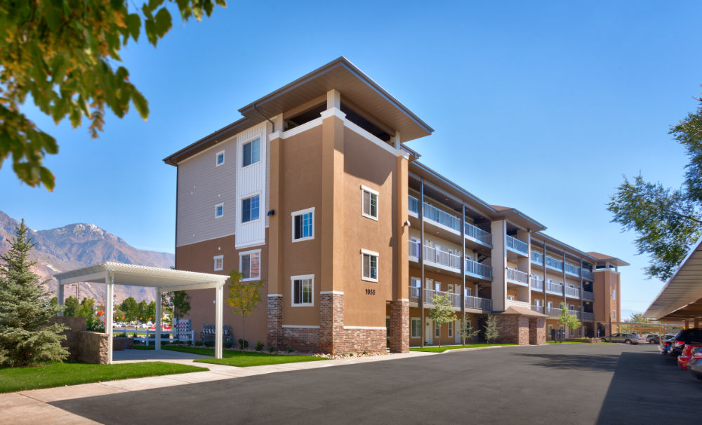 Utah-Residential-Architecture-Riverview-Apartments-Provo
