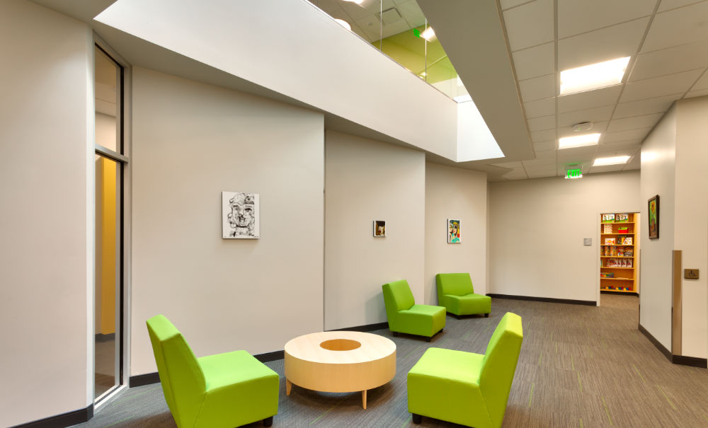 Higher-Education-Architecture-Utah-UVU-Nellesen-Autism-Awareness-Wall