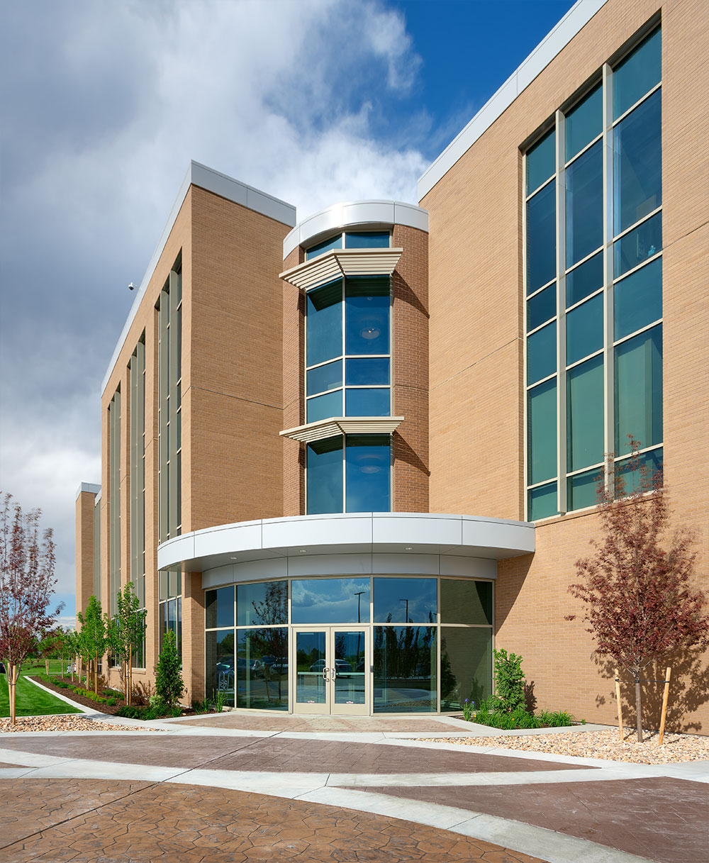 Utah-Bank-Architecture-DFCU-West-Valley-City